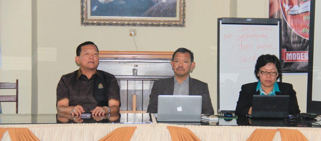Sikapi Masalah Sosial, Moderamen adakan Pertemuan dengan Klasis , Biro dan Unit Pelayanan