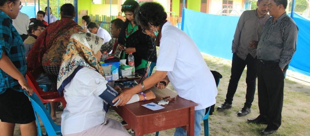 Kerjasama dengan GKI Pondok Indah, Moderamen GBKP adakan pengobatan gratis di Batu Karang.